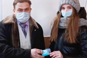 Счастливчик отозвался: бесплатный проездной на месяц от ПАТП-1 получила медсестра из Вологды