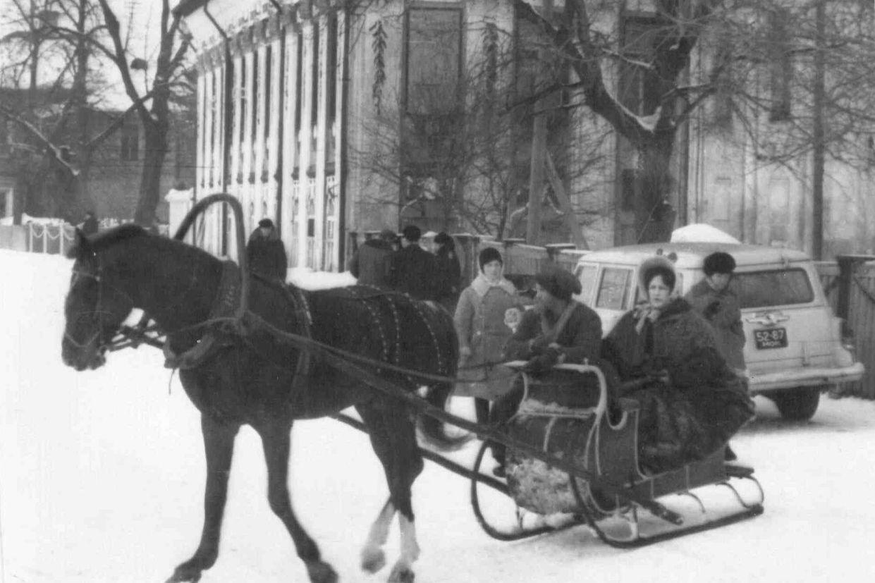 Принять участие в фотоконкурсе «Цитата из Достоевского» приглашает областная библиотека