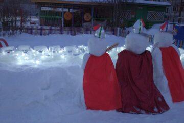 Огни снежной крепости Александра Невского осветили один из детских садов Вологды
