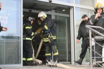 100 человек эвакуировали из здания Вологодского областного суда