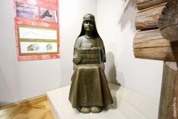 ВМузее археологии установили фигуру женщины изжелезного века