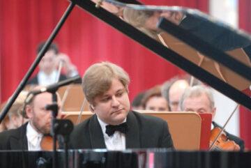 Всемирно известный пианист исполнит любимые произведения для жителей Вологды и Череповца