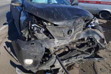 Два человека получили травмы при столкновении иномарок под Вологдой