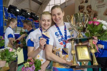 Волейболисткам череповецкой «Северянки» вручили квадратные медали
