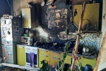 10 человек эвакуировались из загоревшейся в Вологодской области пятиэтажки