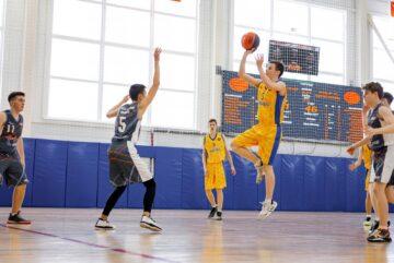 Юноши из Вологды и девушки из Шексны победили на областном этапе школьной баскетбольной лиги «КЭС-баскет».