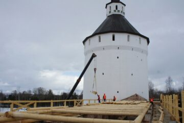 В Кирилло-Белозерском музее-заповеднике реставрируют крепостные стены Нового города
