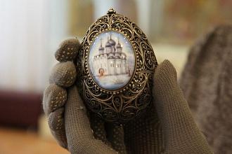 Пасхальные сувениры вологодского художника Валерия Попова представлены в Кириллове