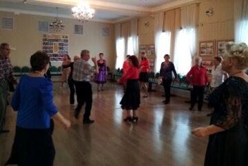 Около 80 поклонников танцев собрались в культурно-досуговом центре «Забота»