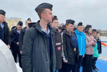 Юные корабелы из Вологды отправились в плавание до Великого Устюга