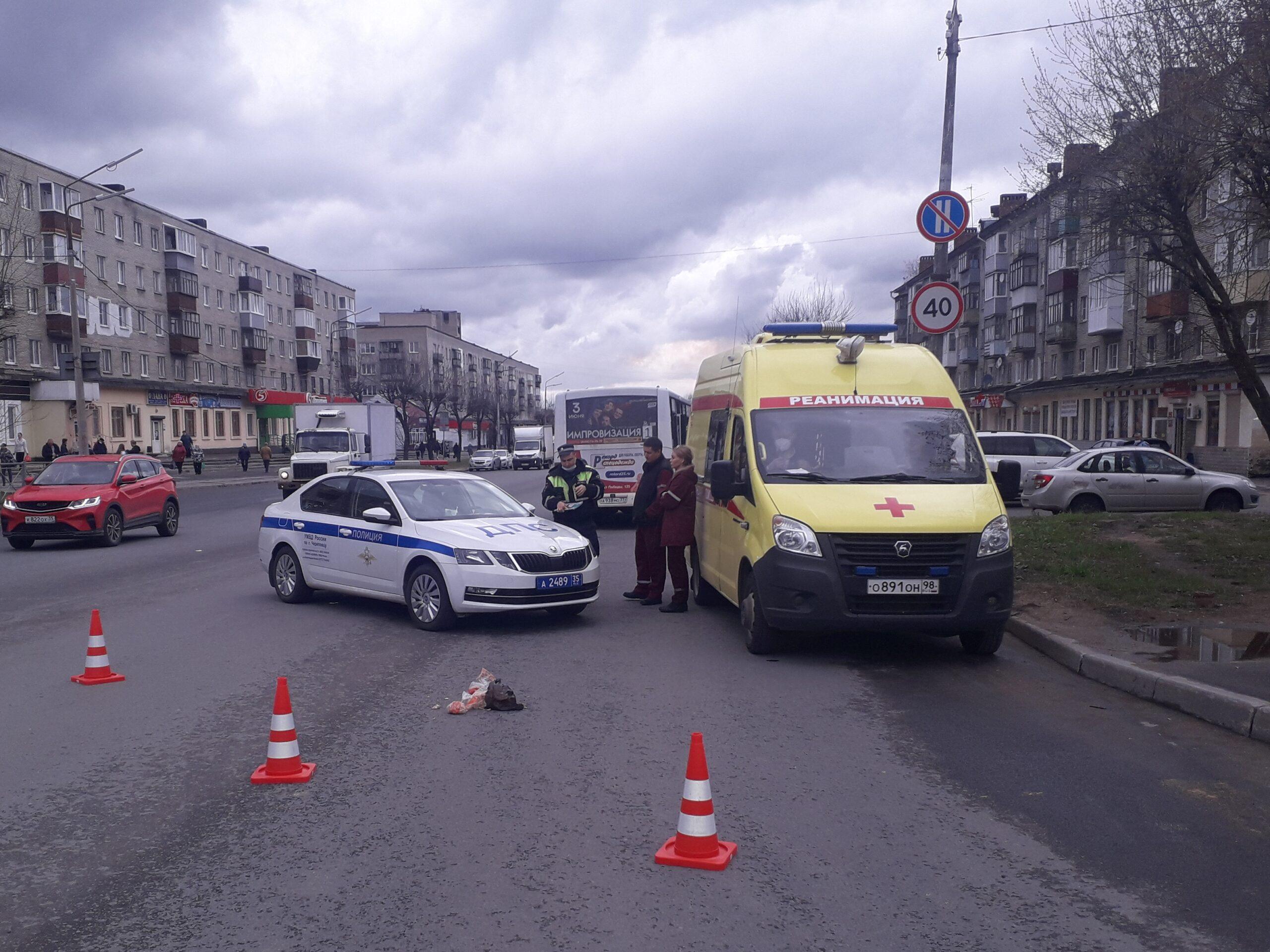 """В Череповце сбитая автобусом женщина умерла в машине """"скорой помощи"""""""