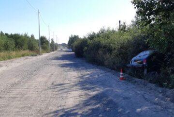 Три человека пострадали в Вологде в съехавшей в кювет «Ниве»
